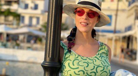 Ευαγγελία Συριοπούλου: To stylish midi φόρεμα που επέλεξε στον 7ο μήνα της εγκυμοσύνης της