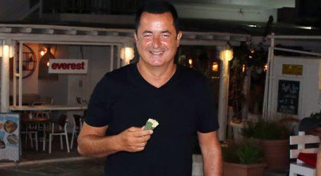 Acun Ilicali: Διακοπές στο νησί των ανέμων για τον σουλτάνο των media!