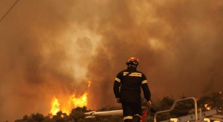 Μαίνεται η φωτιά στα Βίλια