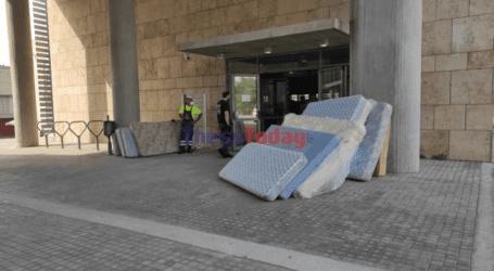 Τόνοι αλληλεγγύης και περισσότερα από 400 στρώματα για τους πληγέντες της Εύβοιας