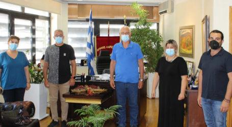 Στον Καλογιάννη η επιτροπή υγειονομικών κατά του υποχρεωτικού εμβολιασμού – Επέμεινε στην αναγκαιότητα ο δήμαρχος