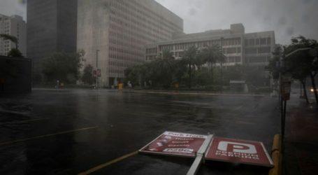 ΗΠΑ – Ο τυφώνας Άιντα πλήττει τη Λουιζιάνα – Χωρίς ηλεκτρικό 122.000 σπίτια και επιχειρήσεις
