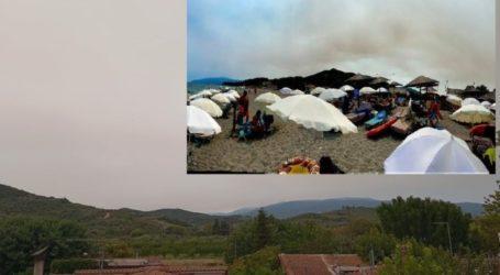Απόκοσμη συννεφιά στα παράλια της Λάρισας – Οι καπνοί από τις φωτιές στην Εύβοια έκρυψαν τον ήλιο (φωτο)