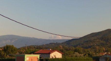 """""""Φωτιά"""" πήρε το τηλεφωνικό κέντρο της πυροσβεστικής για καπνούς σε χωριά της Ελασσόνας – Και στον Αγιόκαμπο οι καπνοί (φωτο)"""