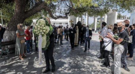 Ανέστης Βλάχος – Συγκίνηση στην κηδεία του αγαπημένου «κακού» του ελληνικού κινηματογράφου