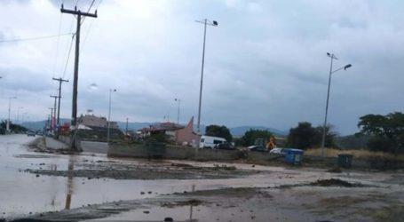 Λάρισα: Πλημμύρισε ρέμα στα παράλια – Σε επιφυλακή οι τοπικές αρχές ενόψει της επιδείνωσης του καιρού