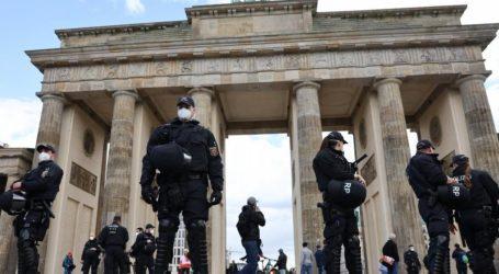 Γερμανία – Συγκρούσεις αστυνομικών και διαδηλωτών – αρνητών των μέτρων για τον κοροναϊό