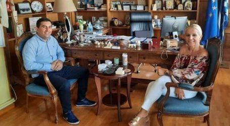 Συνάντηση Θοδωρή Τζούμα με Δωροθέα Κολυνδρίνη για τα έργα που είναι σε εξέλιξη στη Σκιάθο