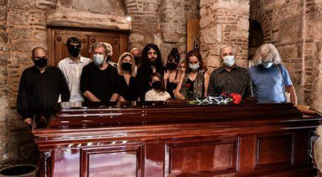 Μίκης Θεοδωράκης: Τέλος στο δικαστικό θρίλερ με την ταφή του – Τι αποφάσισε το δικαστήριο