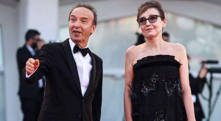 Η συγκινητική αφιέρωση του Roberto Benigni στην επί 40 χρόνια σύζυγό του στο φεστιβάλ Βενετίας