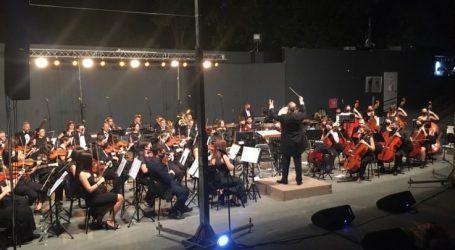 Μια μαγευτική βραδιά στο… Hollywood προσέφερε στους Λαρισαίους η Συμφωνική Ορχήστρα Λάρισας και η InDONNAtión (φωτό και βίντεο)