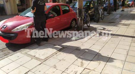 «Σαφάρι» της Δημ. Αστυνομίας στο κέντρο του Βόλου – Τσουχτερά πρόστιμα για παράνομη στάθμευση [εικόνα]