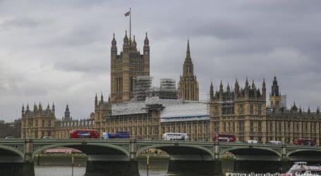 AUKUS – Ανεβάζει τους τόνους το Λονδίνο