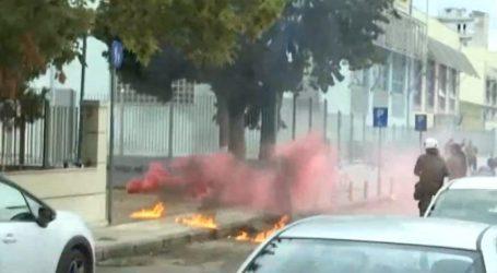Θεσσαλονίκη – Νέα επεισόδια στη Σταυρούπολη – Κουκουλοφόροι επιτέθηκαν με μολότοφ στην αντιφασιστική συγκέντρωση