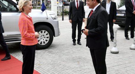 Β. Μακεδονία – Στηρίζει τις ενταξιακές διαπραγματεύσεις με την ΕΕ η Φον ντερ Λάιεν