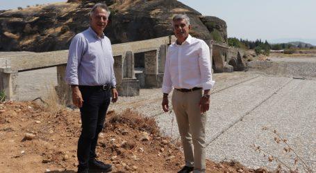 Νέο αρδευτικό δίκτυο 8 χλμ για 580 στρέμματα στα Αμπέλια Μετεώρων από την Περιφέρεια Θεσσαλίας