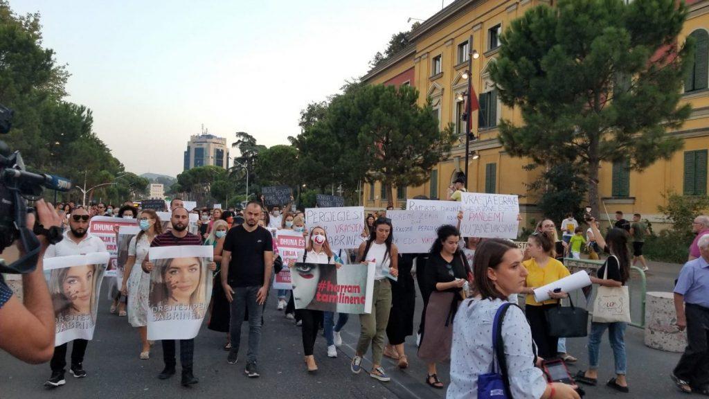 Protesta ne Tirane 7 scaled 1