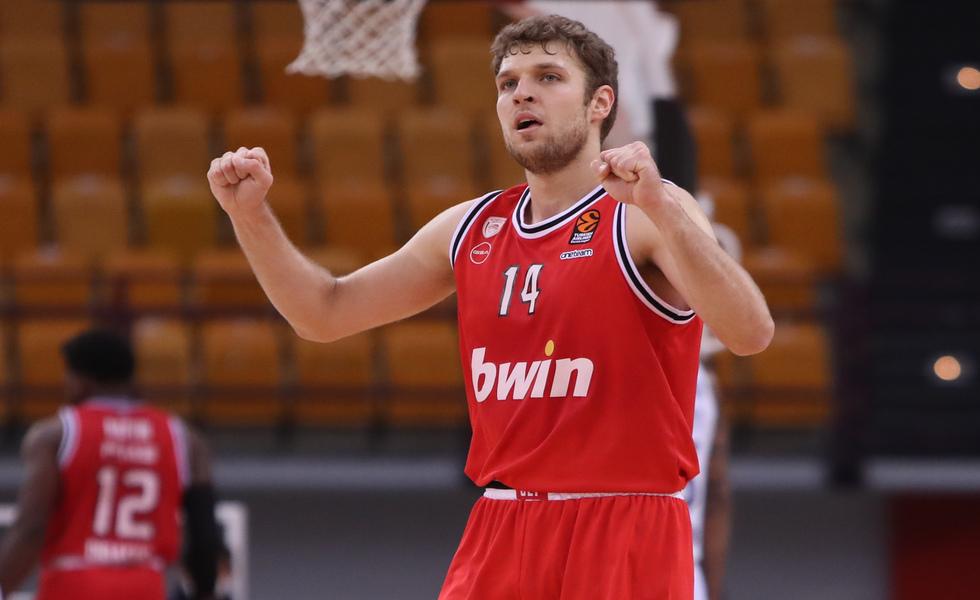 Sasa Vezenkov