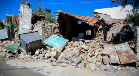 Σεισμός στην Κρήτη – Ζευγάρι γλίτωσε από κατολίσθηση – Τεράστιοι βράχοι μία ανάσα από το αυτοκίνητο