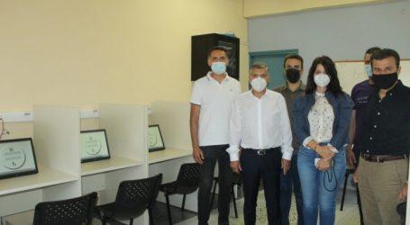 Νέα αίθουσα στο κέντρο της Λάρισας από την Περιφέρεια Θεσσαλίας για τις θεωρητικές εξετάσεις των υποψηφίων οδηγών (φωτο – βίντεο)