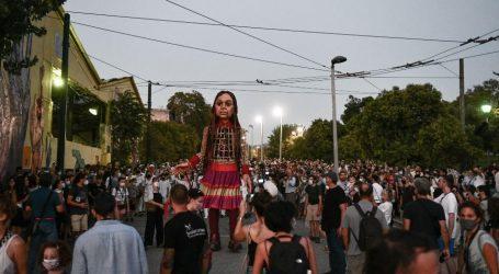 Μίκης Θεοδωράκης – Το Άσμα Ασμάτων «συνόδευσε» τη μικρή Αμάλ στην Αθήνα