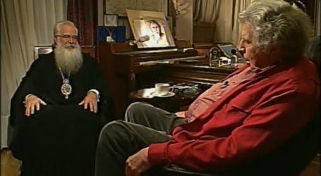 Η τηλεοπτική συνάτηση του Μίκη Θεοδωράκη με τον Μητροπολίτη Δημητριάδος