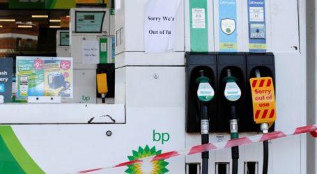 Βρετανία – Απίστευτες ουρές στα βενζινάδικα – Ξεμένουν από καύσιμα