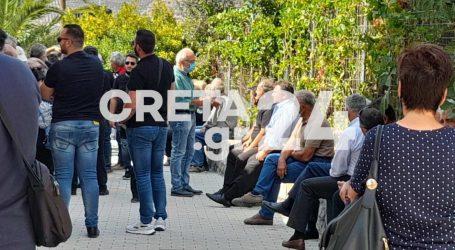 Κρήτη – Θρήνος στην κηδεία του Ιάκωβου Τζαγκαράκη – Το θύμα του σεισμού στο Αρκαλοχώρι