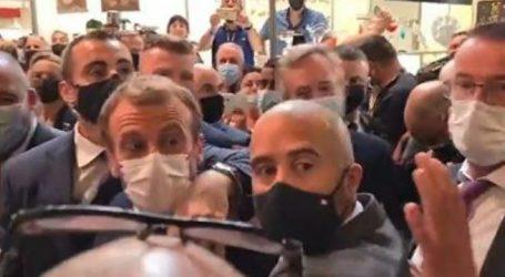 Εμανουέλ Μακρόν – Του πέταξαν αυγό στην Λιόν – Συνελήφθη ένα άτομο