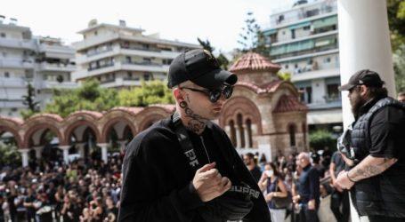 Mad Clip – Φίλοι και συγγενείς στην Παναγίτσα Παλαιού Φαλήρου για το τελευταίο αντίο στον αγαπημένο τράπερ