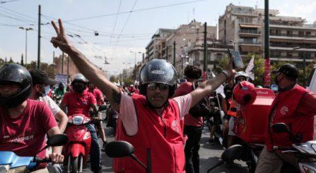 Efood – Η μεγαλύτερη πορεία που έκαναν ποτέ οι διανομείς (δείτε βίντεο) – 24ωρη απεργία την Παρασκευή