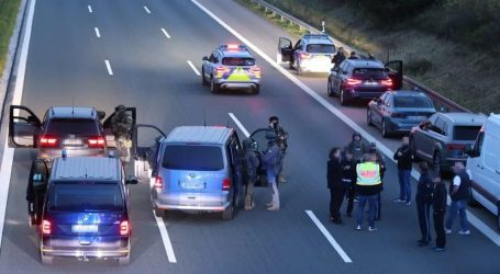 Συναγερμός στη Γερμανία – Ένοπλος σε λεωφορείο κρατά ομήρους