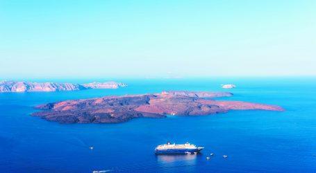 Σαντορίνη – Η θάλασσα «ξυπνάει» το ηφαίστειο – Γιατί αυξάνεται η πιθανότητα έκρηξης