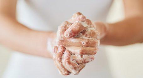 Τι λάθος κάνουμε όταν πλένουμε τα χέρια μας