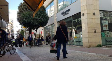 Εκπτώσεις: Πότε ξεκινούν το φθινόπωρο – Ποιες Κυριακές είναι ανοιχτές τα μαγαζιά