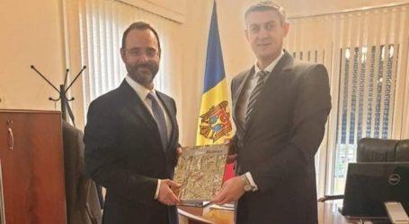 Με τον πρέσβη της Μολδαβίας συναντήθηκε ο Κωνσταντίνος Μαραβέγιας