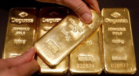 Υποχωρεί ο χρυσός