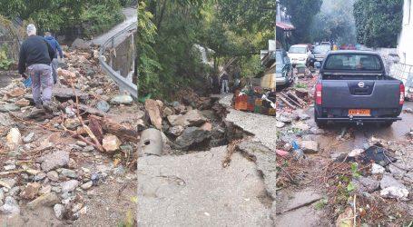 Η «Αθηνά» σαρώνει το Πήλιο – Βράχος καταπλάκωσε σπίτι και αυτοκίνητα στη Ζαγορά