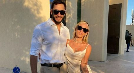 Μάριος Καπότσης: Τι απαντά για το ενδεχόμενο γάμου με τον Κόνι Μεταξά