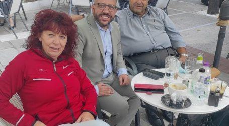 Ο Αλ. Μεϊκόπουλος με τους εκπροσώπους των παραγωγών πωλητών επαγγελματιών Λαϊκών Αγορών