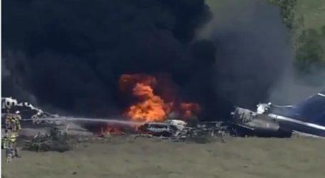 Τέξας – Συγκλονιστικές εικόνες από τη συντριβή του αεροσκάφους – Από «θαύμα» σώθηκαν όλοι οι επιβαίνοντες