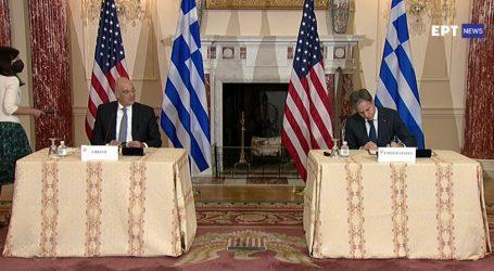 Υπογράφτηκε η συμφωνία με τις ΗΠΑ – Η Ελλάδα αντιμετωπίζει απειλή πολέμου είπε ο Δένδιας – Το μήνυμα Μπλίνκεν