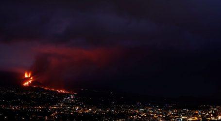 Λα Πάλμα – Συνεχίζονται οι εκρήξεις – Κατέρρευσε μερικώς ο ένας κρατήρας του ηφαιστείου