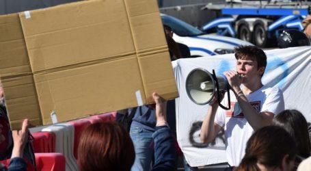 Ιταλία – Διαδηλώσεις στη Ρώμη κατά του φασισμού – Μέλη των συνδικάτων φτάνουν με λεωφορεία και τρένα από όλη τη χώρα