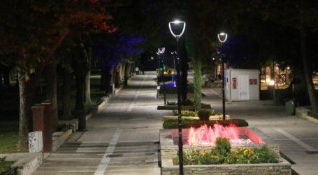 Φωτίζεται με LED η Λάρισα σε πεζόδρομους και πλατείες (φωτο)