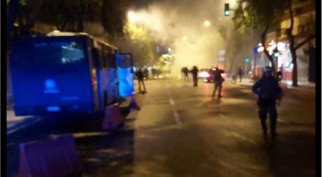 Πεδίο μάχης η Θεσσαλονίκη – Τραυματισμοί σε σοβαρά επεισόδια με μολότοφ και χημικά – Ζημιές σε ΙΧ